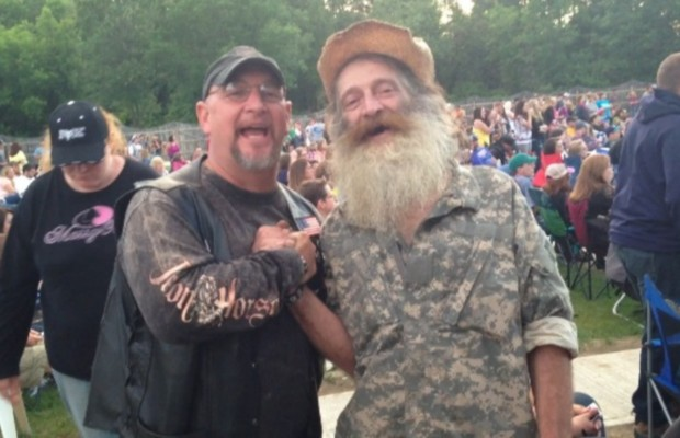 "Here's those ""Duck Dynasty"" guys from Tags Sunday night"